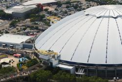 It's win-win as WeBuyCars snaps up the Ticketpro Dome from the Sanlam Pension Fund, and plans to use the venue as a second-hand vehicle showroom.