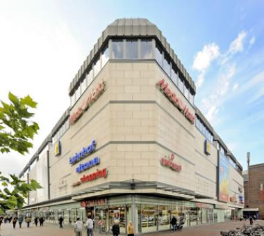 One of the properties acquired by Redefine International (PLC) is the 15,000sqm Bahnhof Altona Shopping Centre in Hamburg.
