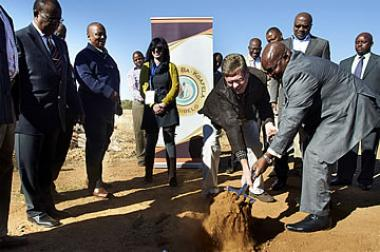 Last year in June, a sod turning ceremony was held for Moruleng Mall. Minister of Cooperative Governance and Traditional Affairs, Richard Baloyi and Corne Claasen MD at New Africa Developments jointly broke ground to the exciting new development.
