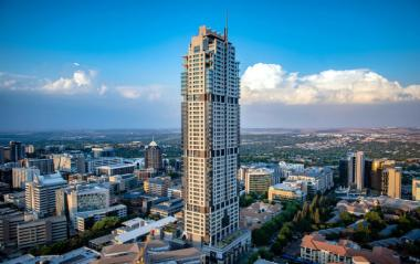 THE matter involving developers of The Leonardo, the R3 billion Sandton skyscraper  - who booted out construction firm Aveng, takes a new twist as Aveng now seeks an adjudicator.