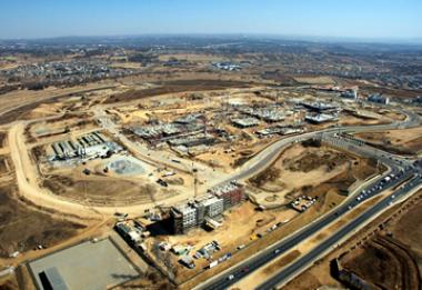 The Waterfall development, spanning both sides of the N1, from Buccleuch to Allandale Interchanges, has already secured developments valued at more than R7 billion.
