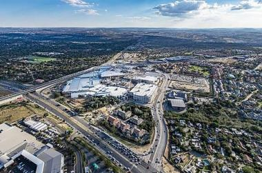 Fourways Mall is set to become the largest shopping destination in Africa pipping Pretoria's Menlyn Park, Durban's Gateway Theatre, Sandton City and Mall of Africa.