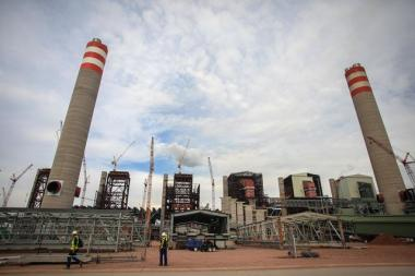 The sixth unit of Eskom's Medupi power station is going to be commissioned and connected to the grid, despite tests showing that it is not working as it should.