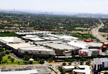 Old Mutual and Pareto have entered into an asset swap transaction involving Menlyn Shopping Centre [Picture above] and Cavendish Square.