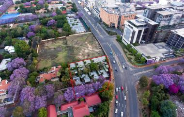 This prime site in busy Oxford Road in Rosebank, Johannesburg is to be auctioned through Broll Auctions and Sales on 23 November 2016.