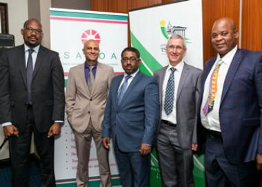 Jason Ngobeni, City Manager: City of Tshwane, SAPOA CEO, Neil Gopal, Councillor Subesh Pillay, MMC: Economic Development & Planning, Mike Deighton, SAPOA President and Councillor Joshua Ngonyama, MMC: Housing and Human Settlements.