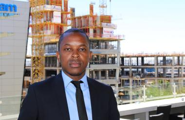 Property Owners and Investors believe more attention should be given to the real effects of disproportionately high rates and taxes increases by municipalities, says Ortneil Kutama, SA Commercial Prop News Media Director.