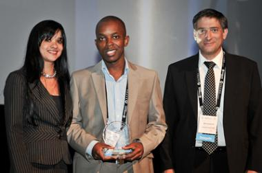 SA Commercial Prop News winner of the SAPOA Property Online News Portal of the Year. L to R: Athalea Minnaar (Hermans & Roman Property), Ortneil Kutama (SA Commercial Prop News) and Brian Azizollahof (SAPOA Property Journalism Awards Chairman)